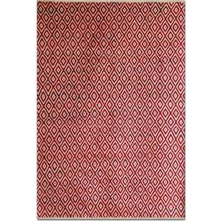 Vintage Diamonds 5' x 8' Area Rug - Red