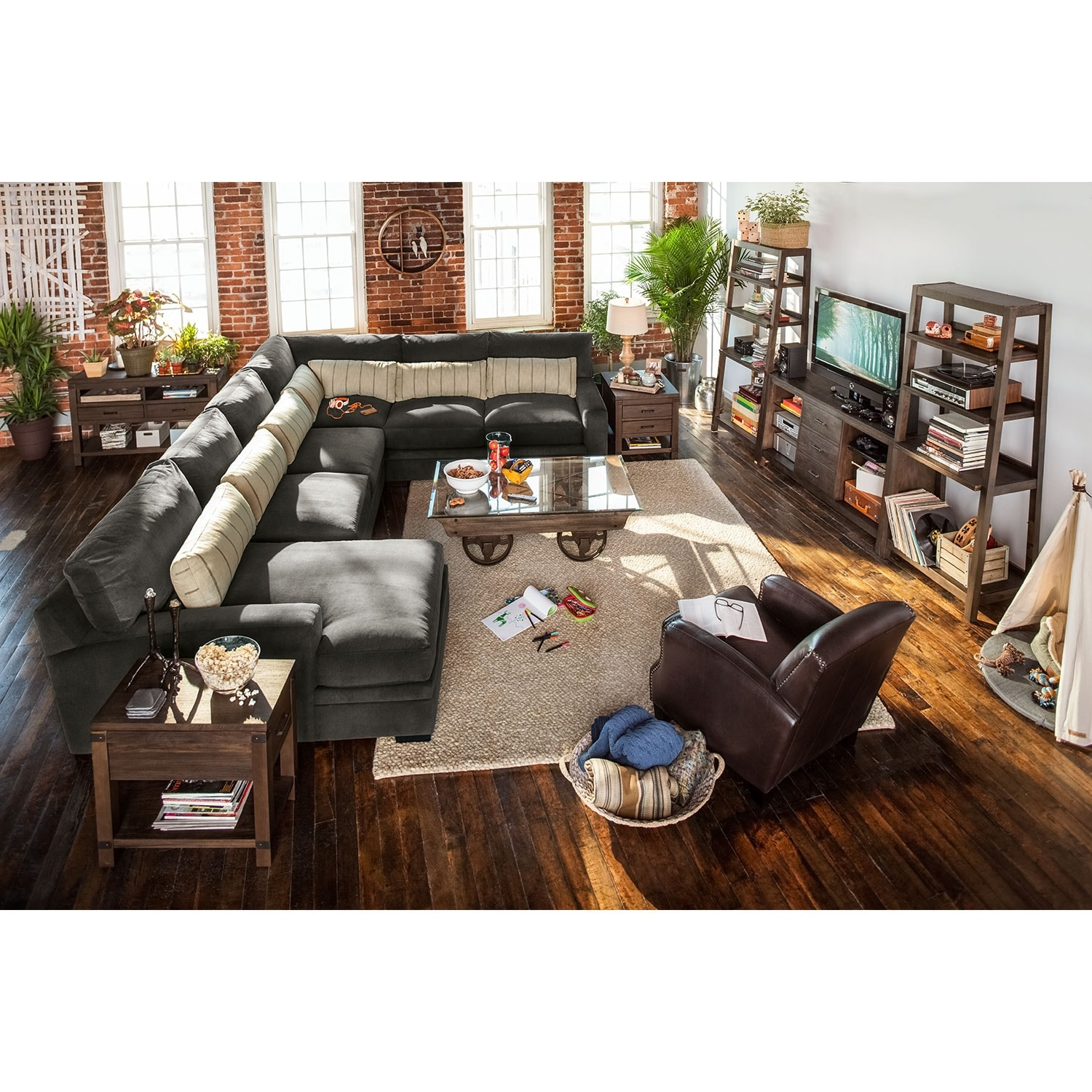 Ventura 4 Piece Sectional with Left Facing Chaise Charcoal
