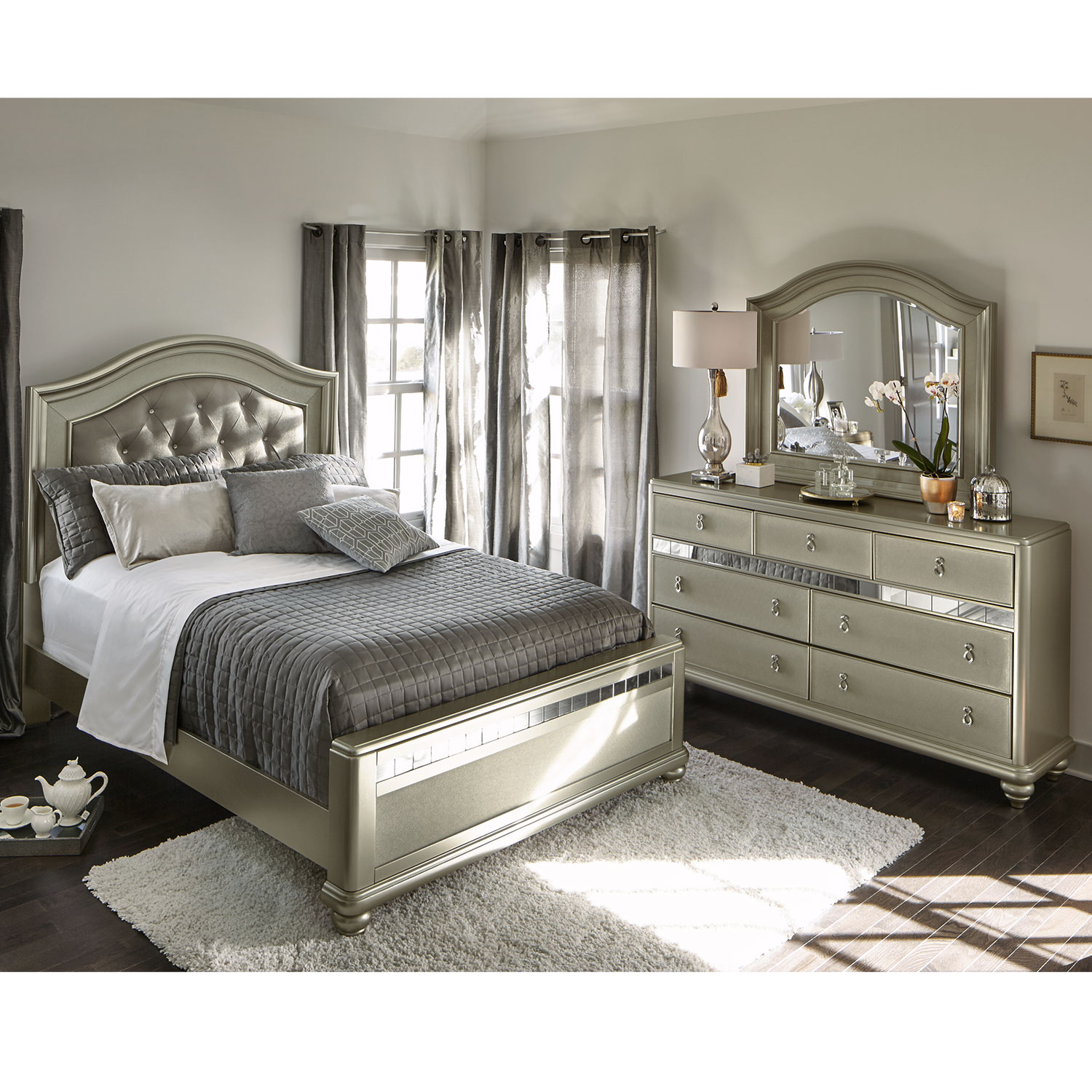 serena queen 5 piece bedroom set platinum american signature furniture. Black Bedroom Furniture Sets. Home Design Ideas
