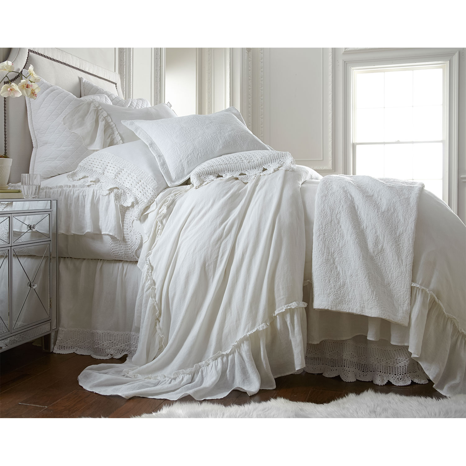Accent and Occasional Furniture - Caprice Queen Duvet Cover - White