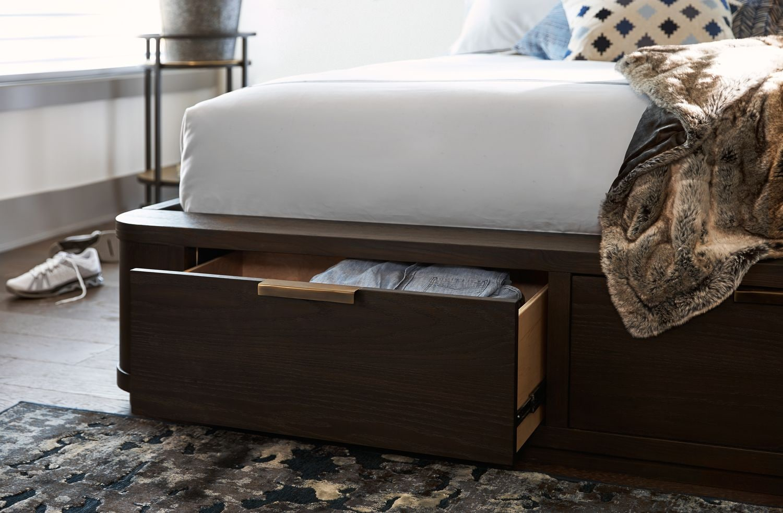 Malibu Bedroom Furniture Malibu 6 Piece Queen Low Storage Bedroom Set Umber American