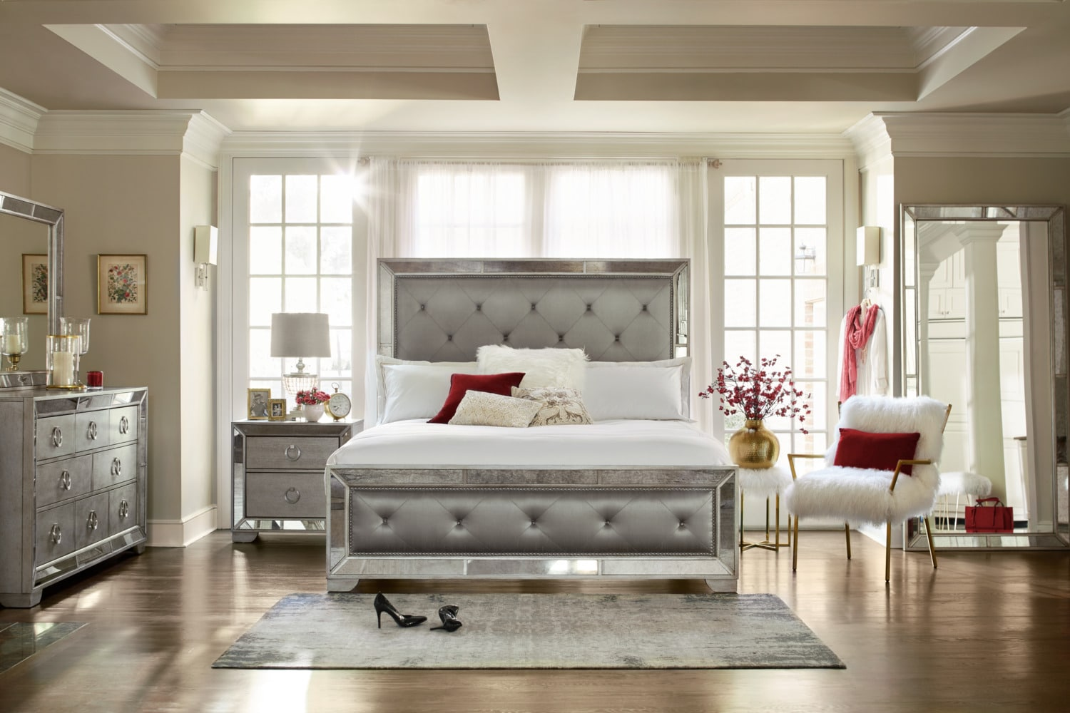 Amazing Upholstered Bedroom Set Set