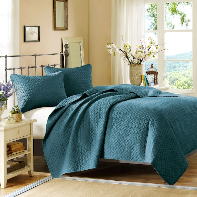 Accent and Occasional Furniture - Hampton Hill Queen Coverlet and Sham Set - Peacock