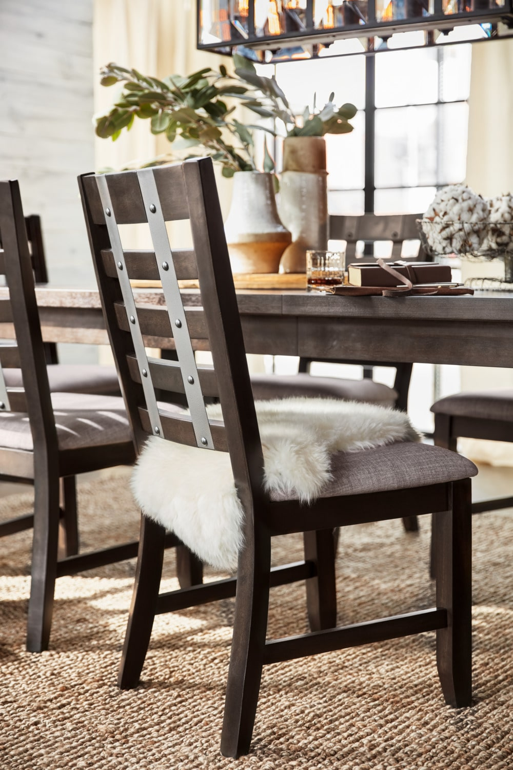 Hampton Dining Table 4 Side Chairs And Storage Bench
