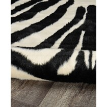 faux ivory area rug ' x '