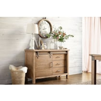 hampton dining light brown server